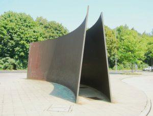 Serra,_Berlin_Curves,_Stahl,_1986